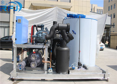China 10 Tons Industrial Flake Ice Making Machine R22 / R404A Refrigerant New Condition factory