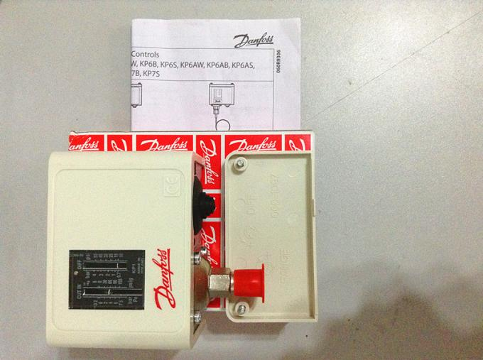 Refrigeration Pressure Controller KP15 Model 06126491 8 To 32 Bar PE 4 Bar Fixed KP15 060-126491 R134A/R22/R407C