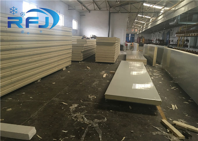 Cold Storage Industrial Freezer Room 30-45kg/m3 PU Foam Density Easy Installation